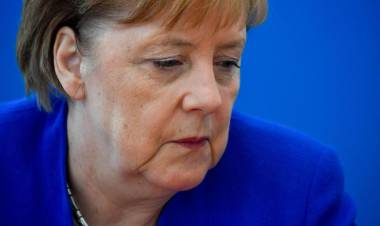 Merkel, migranti max 48 ore in centri