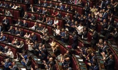 L'esordio da record per i parlamentari di Lega e M5s: tutti i presenti in aula