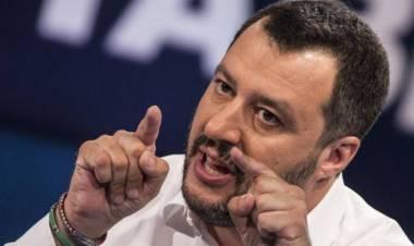 """Salvini: """"Chi si difende in casa sarà difeso anche dallo Stato"""""""