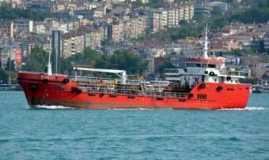 Il mercantile dirottato dai migranti è entrato in porto a Malta: decisivo l'intervento delle forze armate