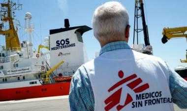 """Migranti, Sos Mediterranée e Msf riprendono il soccorso in mare. Salvini attacca ong e scrive alla Francia: """"Non siamo campo profughi Ue"""""""