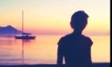Toffa, Le Iene la salutano con un ballo al tramonto