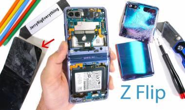 Ecco com'è fatto Samsung Galaxy Z Flip all'interno: il pieghevole più resistente prende 2 su 10 su iFixit