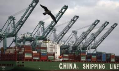 Fuga dal porto di Genova, scappano le portacontainer cinesi. «Autostrade liguri nel caos»