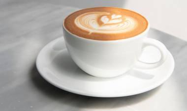 Il motivo per cui devi smettere di bere il cappuccino