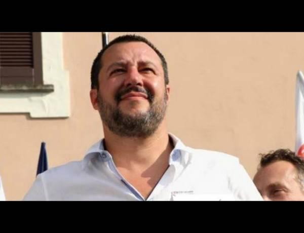 """Salvini : """"Faremo censimento dei rom, quelli italiani purtoppo ce li dobbiamo tenere"""""""