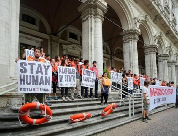 Migranti, Salvini: «Prima di autorizzare sbarchi voglio i nomi»