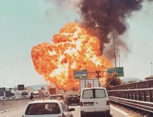 Incendio con esplosioni in autostrada un morto e 100 feriti a Borgo Panigale