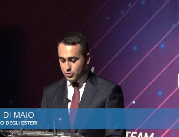 """M5S, Di Maio annuncia dimissioni da capo politico: """"Ma il mio percorso nel Movimento continua"""""""