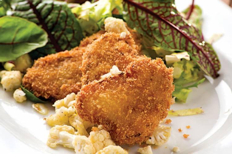 Cavolfiore fritto con insalata mista