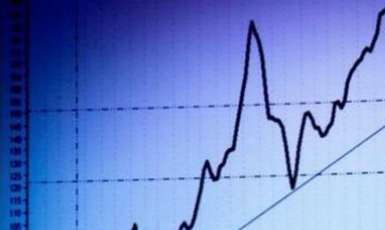 Italia ancora sotto pressione: lo spread sfonda quota 320, poi ripiega