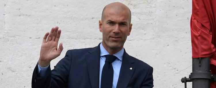 Calcio,Zidane a sorpresa lascia il Real