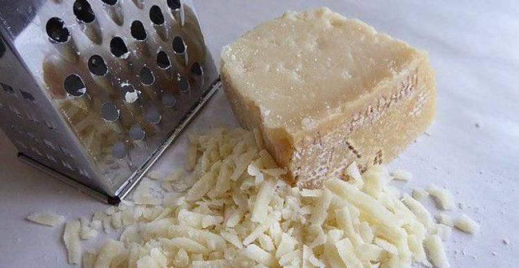 Ecco cosa contiene il Parmigiano Reggiano contraffatto
