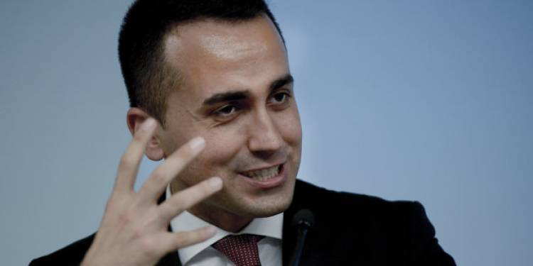 """Luigi Di Maio contro il Pd: """"Presenta emendamento contro indennizzi ai licenziati, spieghi perché"""""""